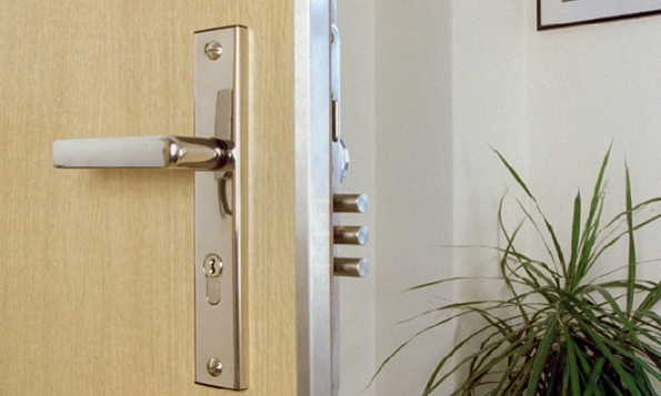 Bezpečnostní dveře SD101 (Zdroj: NEXT)