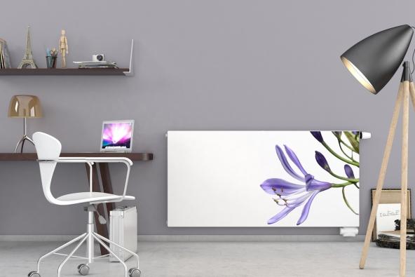 Už vás omrzel klasický bílý radiátor? Zkuste ho změnit. I z nenápadného bílého zdroje tepla můžete jednoduše vykouzlit originální doplněk, a to vlastním potiskem na čelní desku. Design tak můžete přizpůsobit sami sobě či vzhledu obytné místnosti. (Foto: KORADO)