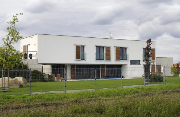 Fasády sco nejširšími průběžnými pásovými okny bývají působivé. Le Corbusier to věděl. (2)