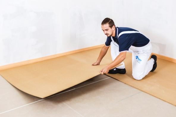 Suché podlahy jsou vhodné do všech staveb s běžným provozem. Používají se v novostavbách i při rekonstrukcích starého bytového fondu. Jsou výhodné zejména pro řešení ve střešních nástavbách a pro vytvoření obytného podkroví v půdních vestavbách. (Zdroj: Rigips)