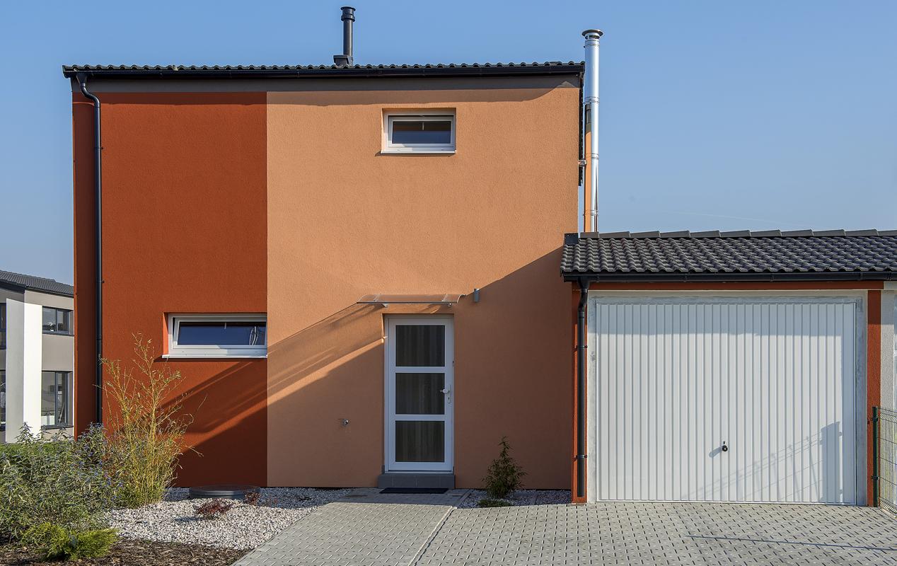 Střídmé tvary domu zaručují, že se bude dobře vyjímat vjakékoliv lokalitě ainavelmi malém pozemku.