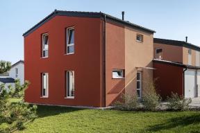 Uvnitř domu je beze zbytku využit každý centimetr prostoru. Idíky tomu může dům Chico nabídnout komfort domu zacenu mnohem menšího bytu.