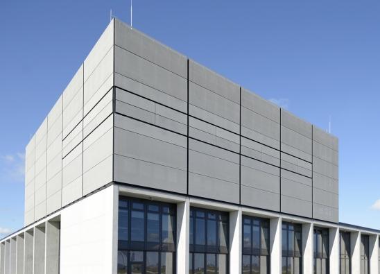 FACID plášť na fasádě o rozloze 20.000 m2 na letišti Berlin Brandenburg Willy Brandt. (Zdroj: Schüco)
