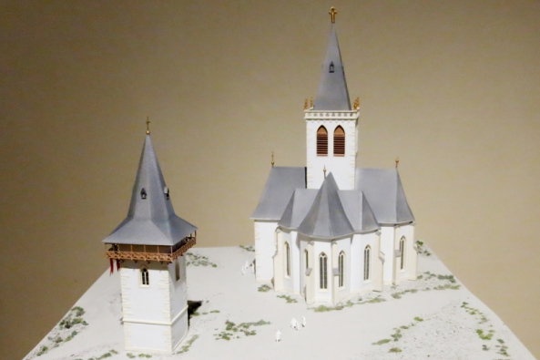 Muzeum hlavního města Prahy připravilo u příležitosti oslav 700. výročí narození Karla IV. unikátní expozici, která panovníka představuje jako ambiciózního stavitele a urbanistu. Jde o první etapu nově budované expozice, jež se veřejnosti otevřela v domě U Zlatého prstenu v Týnské ulici 6 na Starém Městě.