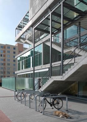 Komunitní centrum Máj v Českých Budějovicích / SLLA Architects (nominovala Slovenská komora architektů a Henrieta Moravčíková). Foto: archiv autorů