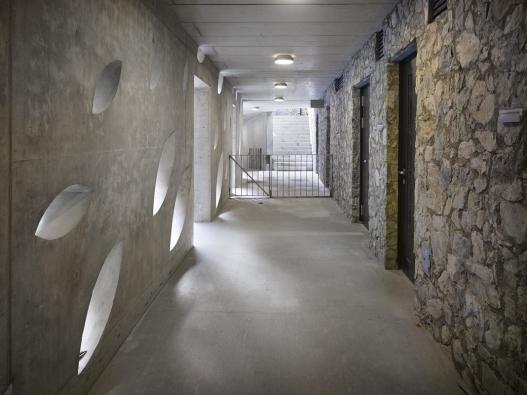 Vstupní budova areálu Punkevních jeskyní v Moravském krasu / Architektonická kancelář Burian-Křivinka (nominoval Osamu Okamura) Foto: Filip Šlapal