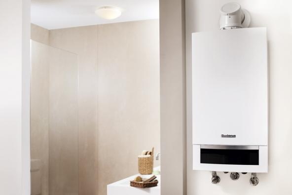 Elektrický kotel Buderus Logamax E213-4 2-2 sautomatickým provozem prostřednictvím kotlového termostatu nebo prostorového termostatu je vhodný pro vytápění rodinných domů, bytů, kanceláří aprovozů (BUDERUS)