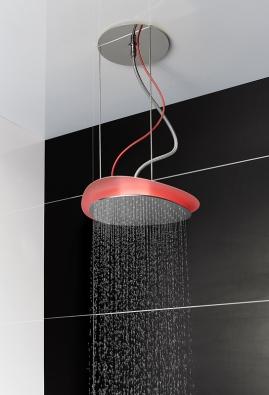 Originální sprchová baterie Cloud má antibakteriální povrchy, je vybavena LED osvětlením, šetří vodu anavíc je ozdobou interiéru (vyrábí Carlo Frattini)