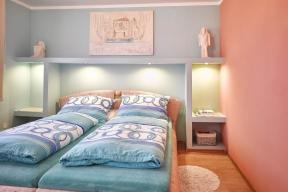 Moderní sádrokartonové desky Rigidur umožnily vytvořit vrodinném domě zajímavé atypické interiérové prvky jednoduchým způsobem azapřijatelnou cenu.
