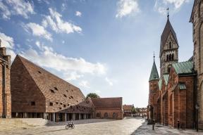 Kannikegården, Ribe, DK – Obnova katedrály Kannikegården v Ribe / Lundgaard&Tranberg Architects, Copenhagen (© Photo: Anders Sune Berg)