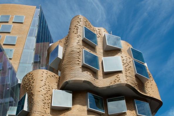 8. ročník mezinárodní soutěže cihlových staveb  Brick Award vyhlášen (Z vítězných staveb soutěže Brick Awards 2016: Dr. Chau Wing Building, Austrálie) (Foto: Jacqui Dean)