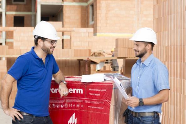 Posledních pár dní zbývá do konce měsíce února, který je ve znamení nákupu špičkového stavebního materiálu pro hrubou stavbu! Wienerberger cihlářský průmysl a.s. nabízí exkluzivní slevový poukaz, který vám zajistí nejkvalitnější stavební materiál na trhu, a to s fantastickou slevou až 45 %.