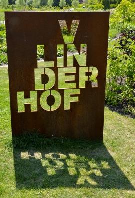 Zahrada se nachází najihovýchodním okraji Maxima parku vholandském Utrechtu aje volně přístupná pocelý rok.