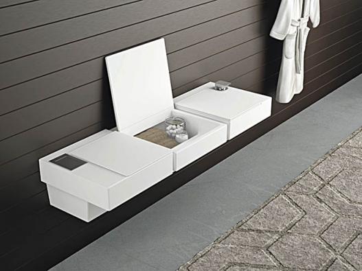 Oceňovaný design: System One – variabilní sestava WC, bidetu aúložných prostor sjednotným designem. Výrobce Forsan Ceramics, www.gioacchinidesign.it