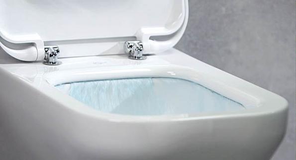 Při klasickém splachování WC zůstávají až na20% povrchu keramiky nečistoty. Nový patentovaný splachovací systém AquaBladeTM nabízí vysoce účinné atiché splachování. Zmikroštěrbiny poobvodě mísy stéká voda pod tlakem, hladce klouže dolů popovrchu, nevznikají žádné turbulence ani hluk acelá mísa je dokonale umytá. (IDEAL STANDARD)
