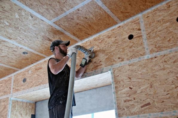 Climatizer Plus® je foukaná izolace vhodná pro zateplení všech částí konstrukce, jako je podlaha, strop, půda, stěna nebo střecha. Poskytuje vynikající technické vlastnosti, jeho použití je přitom vysoce ekonomicky výhodné srychlou návratností (CIUR)