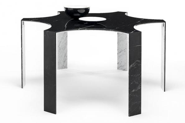 Dvouvrstvé mramorové desky Bislapis® mají tloušťku 6, 9 a12mm, každá strana může mít jinou barvu astrukturu. Toho se využívá kzajímavým estetickým efektům nejen u nábytku. Vyrábí společnost Marmi Remuzzi Bergamo (1)