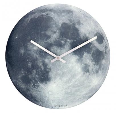 4. Hodiny Blue Moon, Ø 30 cm, vyrábí Nextime, www.dedeckovyhodiny.cz