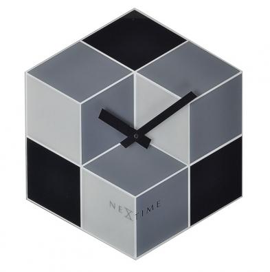 7. Hodiny Cubic, 38 x 43 x 4 cm, www.okay.cz