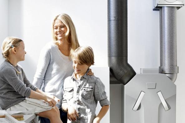 Řízená rekuperace = automatický trvalý přívod čerstvého čistého vzduchu, individuální regulace větrání pro každou místnost, automatický odvod vlhkého vzduchu apachů atd. (ZEHNDER)