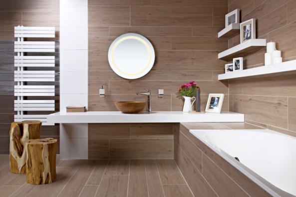 Ukázka konceptu dřevěné koupelny odSiko koupelny & kuchyně srektifikovanou dlažbou Timber Natural (Fineza), formát 26,4 x 179,8cm, www.siko.cz