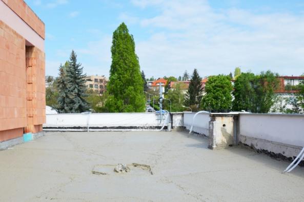 Hotová plocha spádové střechy (Foto: Českomoravský beton)