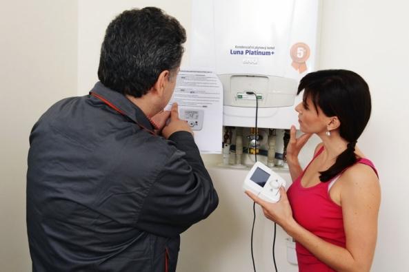 Pravidelné servisní prohlídky plynových kotlů určitě nepodceňujte, jsou důležité jak pro vaši bezpečnost, tak i pro správný a úsporný chod nepostradatelného spotřebiče v domácnosti.