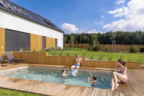 Rodinné bazény mohou mít mnoho podob. Konstrukčně amateriálově jsou upraveny pro instalaci na povrchu ipro zapuštění do země. Stačí si vybrat (MOUNTFIELD)