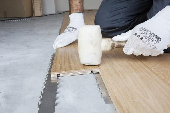 Clip Up System® je nový systém vícevrstvé dřevěné plovoucí podlahy, který vyvinula společnost Parchettificio Garbelotto.