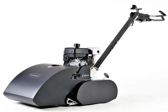 Edwin Standard 45 je benzinová zahradní vřetenová sekačka s pojezdem a záběrem sečení 45 cm. Stroj je vhodný pro trávníky o ploše do 600 m2 (SWARDMAN)