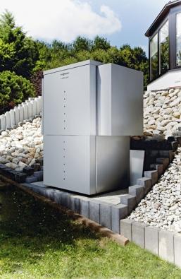 Tepelné čerpadlo vzduch/voda Vitocal 350 využívá bezplatné teplo zokolního vzduchu. Ipři venkovní teplotě 2 °C dodává vodu 35 °C teplou (VIESSMANN)