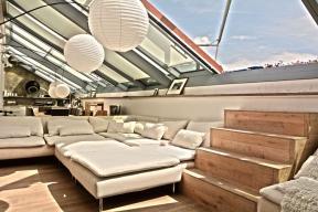 Luxusní střešní prosklení Solara PERSPEKTIV – 3 sklo s protisluneční vrstvou SunCool v jednom ze střešních bytů v Praze.