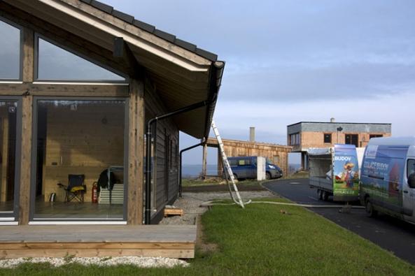 Foukaná celulózová izolace je použitelná na všechny typy staveb pro celkové i částečné zateplení. (Foto: CIUR)