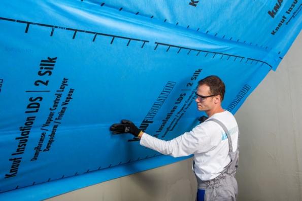 2. Parobrzda Homeseal LDS 2 od Knauf Insulation vytváří vzduchotěsnou a difúzně částečně otevřenou vrstvu.