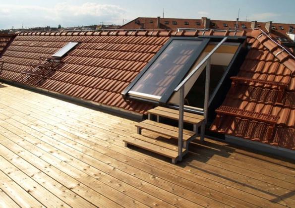 Střešní prosklení a střešní výstupy Solara