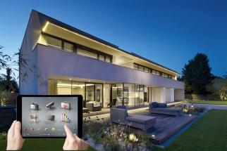 Jak snadné. Díky technologickému pokroku vposledních letech se to, co se dříve označovalo jako bydlení budoucnosti nebo inteligentní bydlení, stalo realitou (INSIGHT HOME)