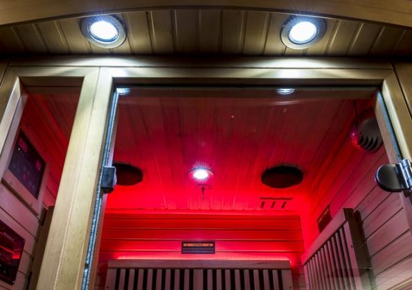 Světelná terapie s tónem vnitřního osvětlení volitelným přesně podle vaší nálady. (Foto: MOUNTFIELD)