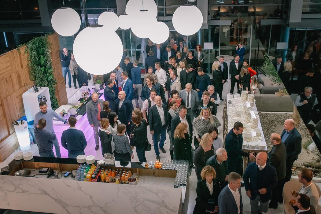 HANÁK FORUM - nově otevřený luxusní showroom nábytku a dveří
