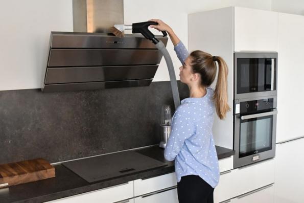 Už vás nebaví vdechovat prach s alergeny a trápit se s neúčinnými a hlučnými vysavači? Pořiďte si vysavač centrální. Tichý a výkonný agregát odvede vysátý vzduch mimo obytné prostory a díky lehké hadici a vysávacím štěrbinám získá pojem čistý domov nový obsah. (Foto: HUSKY)