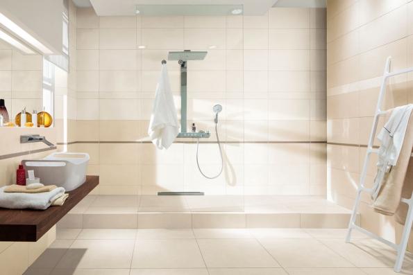 Série EXTRA nabízí široké spektrum formátů, barev a dekoračních možností. Bohatá nabídka jednotlivých prvků osloví jak zákazníky se záměrem vytvořit nadčasovou či moderní koupelnu, tak i náročné klienty, kteří si potrpí na harmonii a soulad v každém detailu svého interiéru a exteriéru. (Foto: RAKO)