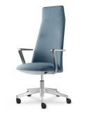 8. Správné posezení je zdravé: Židle Melody Design 795-FR od LD Seating byla navržena pro ideální ergonomii sezení a dokonale se přizpůsobí každému typu lidské postavy. Nová série sedacího nábytku přináší souhru komfortu, ergonomie i osobitého designu. Na modelech série Melody vynikne dokonalé zpracování, propracované čalounění a krása jedinečných potahových materiálů. V sedáku mají ukrytou synchronní mechaniku tak, aby nic nerušilo zážitek z čistých linií. Nastavení židle je umožněno pomocí vestavěných ovladačů, kterými se upravuje výška sedu a nastavení pohybu opěráku. www.ldseating.com