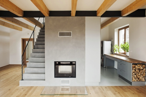 S pojmem zdravé klima se zpravidla pojí takové pojmy jako teplota vzduchu, vlhkost či obsah škodlivin. To, jak se v interiéru nebo venku cítíme, však významně ovlivňuje i fyzikální faktor, který není příliš zjevný – ionizace vzduchu.