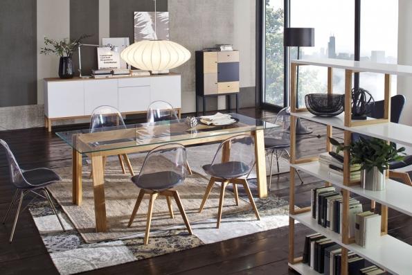 Jídelní stůl D-BAR, deska zčirého skla anohy zmasivního dubu, 210 x 90 cm, cena 14687Kč, www.jena-nabytek.cz