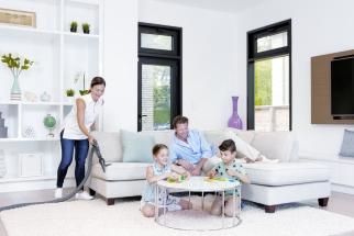 Každý chce mít čistý a zdravý domov, přičemž touha po minimální pracnosti při úklidu je pochopitelná. Centrální vysavače ELECTROLUX a BEAM tyto nároky skvěle splňují. Jsou zárukou vysoké kvality a účinnosti, využívají nejmodernější technologie. V praxi stačí pouhé zasunout ultralehkou hadici do vysavačové zásuvky a veškeré vysáté nečistoty mizí potrubím mimo uklízené prostory.