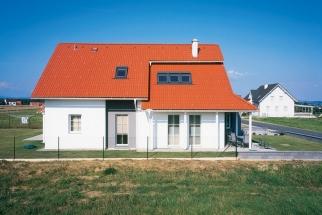 Classic Protector PLUS sluší tradičním domům se sedlovou střechou (Zdroj: Bramac)