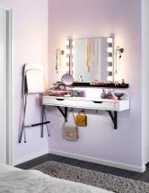 Řešení malého prostoru podle značky IKEA, police se zásuvkou Ekby Alex/Ekby Valter, dřevotříska, akrylová barva, melaminová fólie, ABS plast, 119 x 28cm, cena 1119Kč, www.ikea.cz