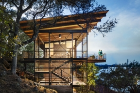 Chata na Modrém jezeře – Blue Lake Retreat, LakeFlato Architects (Foto: Andrew Pogue)