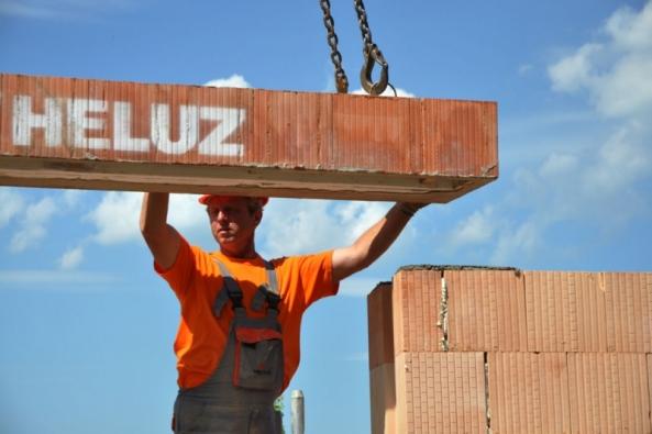 Jak si postavit dům z HELUZu, část 2.: Stropy, překlady, komíny