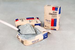 Společnost Lafarge Cement, a.s. tradiční český výrobce cementů, uvádí na trh nový produkt – Český čížkovický cement. Přináší nové lepší složení, plně využívá trend ekologického zpracování sekundárních paliv a při praktickém použití při stavbě usnadňuje stavebníkům práci. To vše je zabaleno v novém obalu, kladoucím důraz na výrobek plně produkovaný v ČR.