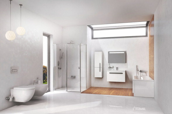 Koupelnu Chrome můžete snadno sladit dojednoho celku. Kvaně můžete pořídit zástěnu isprchový kout, odtokový žlab, sedátko, umyvadlo snábytkem, baterii či další doplňky (RAVAK)